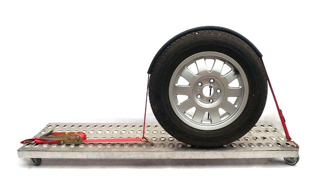 Mocowanie auta na lawecie - guma