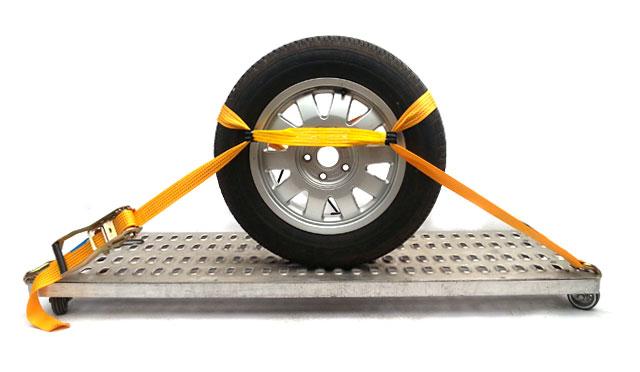 Mocowanie auta na lawecie - szelka